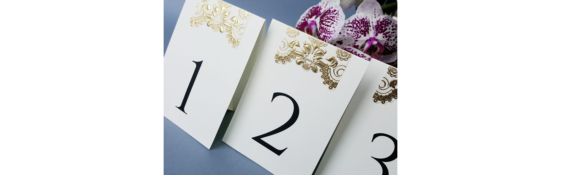 złote numery na stoły